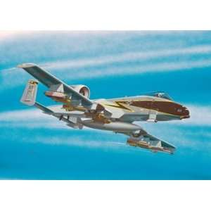 Monogram 1/100 A10 Thunderbolt Aircraft (Snap Kit) Toys & Games