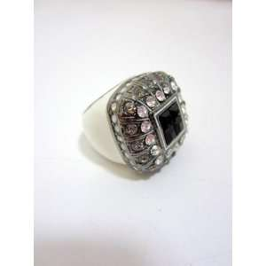 LUC womens white enamel clear crystal cocktail ring O/S