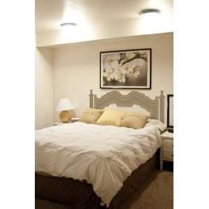 Custom Vinyl Art Stickers   Elegant Bedroom Bedpost