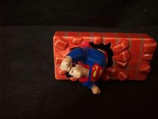 DC COMICS SUPERMAN BRICK WALL SALT AND PEPPER #C95