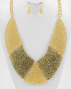 Chunky Shinny & Burnish Gold Design Metal Bib Statement Art Fashion