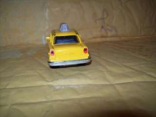 40 SCALE NEW YORK YELLOW CHECKER CAB FRICTION CAR 2 DOORS OPEN