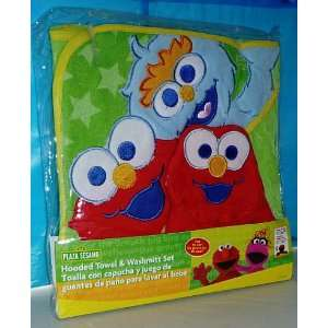 Sesame Street (Plaza Sesamo) Baby Infant Hooded Towel & Wash Mitt Set