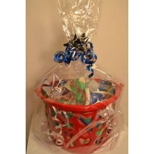 Christmas Gift Basket Red (Filled w/Gifts)