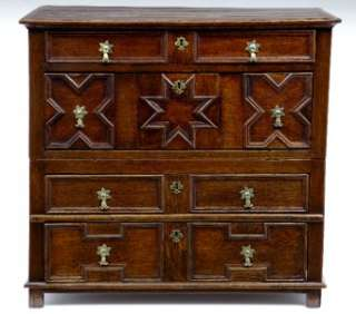 17TH CENTURY ANTIQUE OAK MOULDED FRONT CHEST OF DRAWERS |