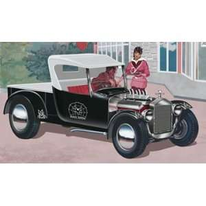 Revell 124 Black Widow Ford Model T Pickup Rod Toys & Games