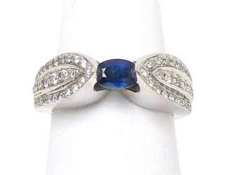 TRENDY 18K W GOLD, DIAMONDS & BLUE SAPPHIRE BAND RING