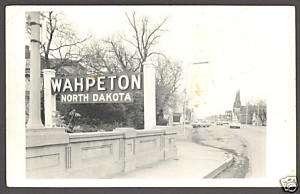 RPPC Postcard ~ Main Street Scene ~ Wahpeton ND
