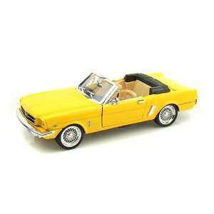 1965 Ford Mustang Convertible 1/24   Yellow Toys & Games