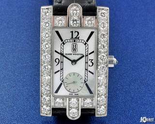 Fine Ladies 18K W/G Diamond Harry Winston Avenue Watch.