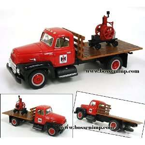 International R Series Flatbed w/ Famous 3 HP Engine 1:34