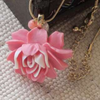 NWOT 16 Beautiful Gold Tone Polymer Clay Flower Pendant Necklace Xmas