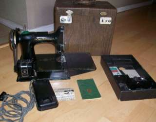 1941 Singer Featherweight Sewing Machine 221 1 case Instructions