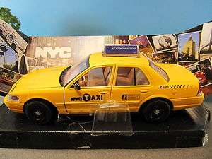 Diecast Ford Crown Victory New York NYC Taxi Cab NY73337 NIB 124