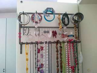 Porta orecchini artigianali a Umbertide    Annunci