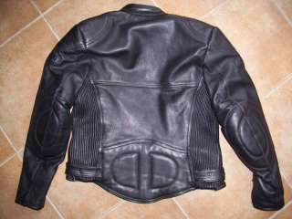 Giacca in pelle da moto marca Belstaff a Mirandola    Annunci
