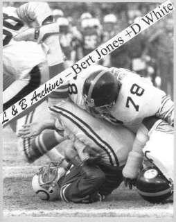 76 PLAYOFF Bert JONES Colts D WHITE Steelers SACK Photo